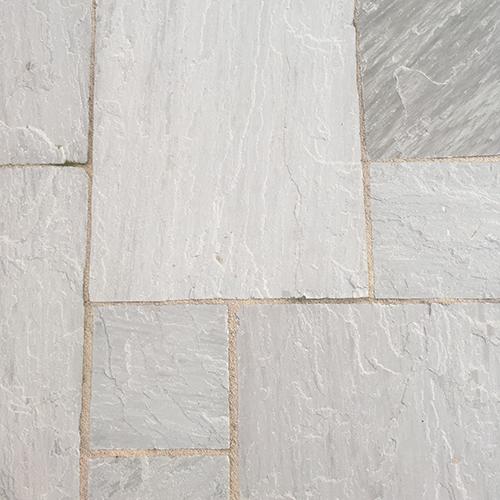kandla_grey_riven_sandstone_paving